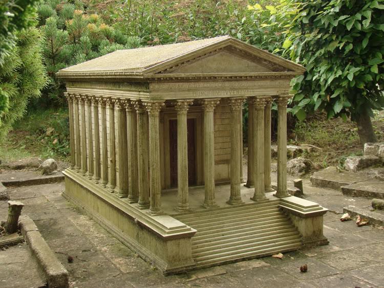 Un monument - Cathy - 8 Décembre- trouvé par Jovany - Page 2 _MaisonCarreNimes_petit