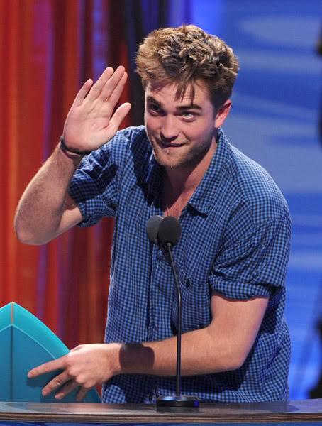 Robert: Candids y Apariciones Públicas [CLOSED] - Página 6 Pattinsonlife-tca03