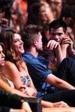 Teen Choice Awards 2010 - Página 3 Th_pattinsonlifetca5594