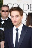 Golden Globes 2011 Th_pattinsonlife-gg901