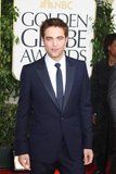 Golden Globes 2011 Th_pattinsonlife-gg902