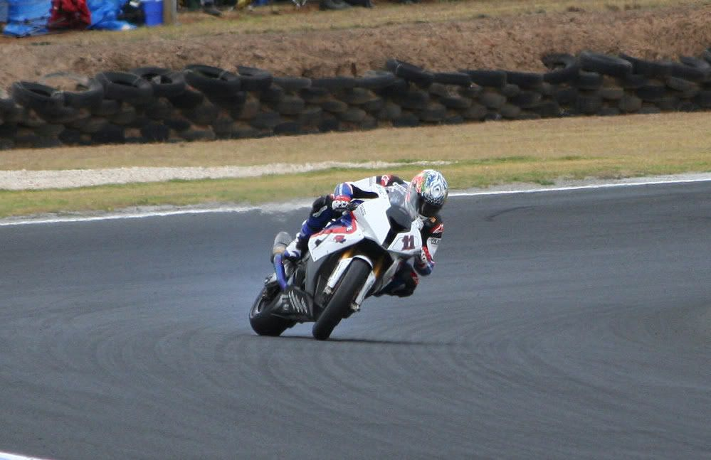 THE TOPIC of  SBK 2009 - Page 5 Corserexitturn11sideways2race2