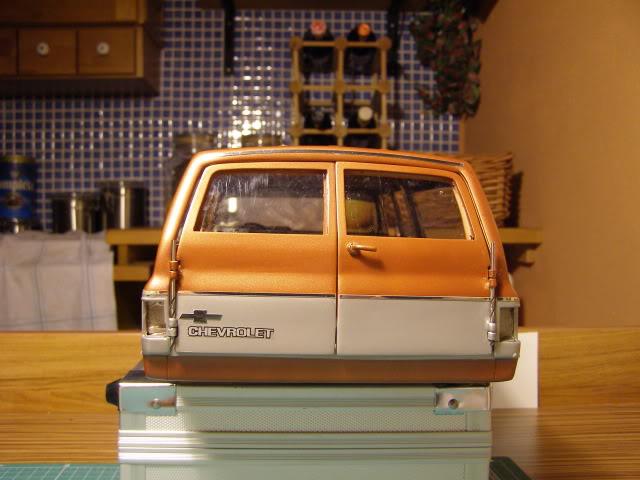 Chevrolet Suburban PB157611