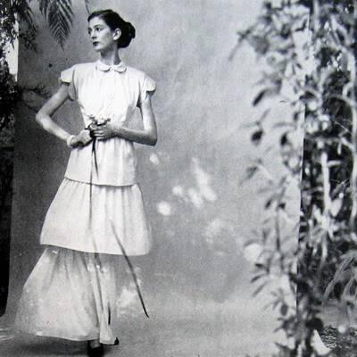 Carmen Dell'Orefice ~ Young Summer Whites 1947 Blog_CarmenDO_1947_Apr15_Vogue_141_Chambray_FrancesMcLaughlin