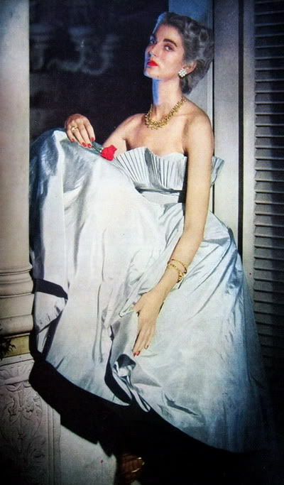 Carmen Dell'Orefice - Click Here Blog_CarmenDO_1949_Oct1_Vogue_14-1