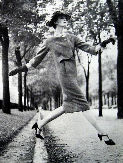 Carmen Dell'Orefice by Avedon ~ Sept. 1957 Bazaar Blog_CarmenDO_1957_Sep_Bazaar_207_D