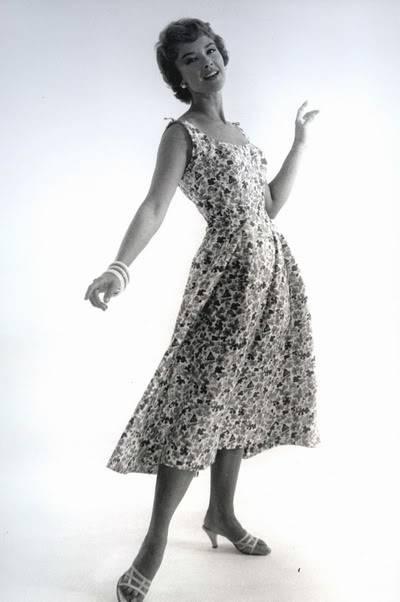Helen Ryan in Black & White ~ 1950s-1960s Blog_HelenR_1950s_FloweredSunDress_BW