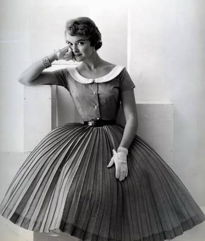 Helen Ryan in Black & White ~ 1950s-1960s Blog_HelenR_1950s_KnifePleats_BW