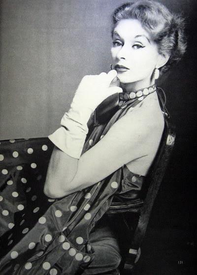 Model History ~ Lisa Fonssagrives Penn in Maternity Fashions 1952 Blog_LisaF_1952_Nov1_Vogue_131_Maternity_BabyTom_IrvingPenn