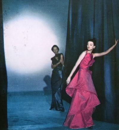 "Carmen Dell'Orefice ~ ""Summer Beauty"" 1946 CarmenDO_1946_July_Vogue_70_RuthGor"
