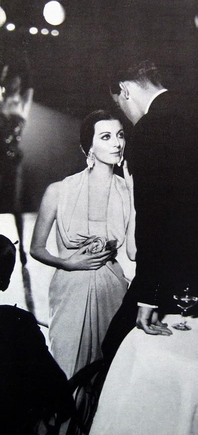 Carmen Dell'Orefice by Avedon ~ Oct. 1957 Bazaar CarmenDO_1957_Oct_Bazaar_130_NinaRi