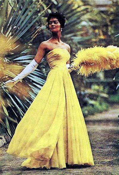 New Album in Top Fifties Models: Helen Williams Helen_Williams_1961_Modess
