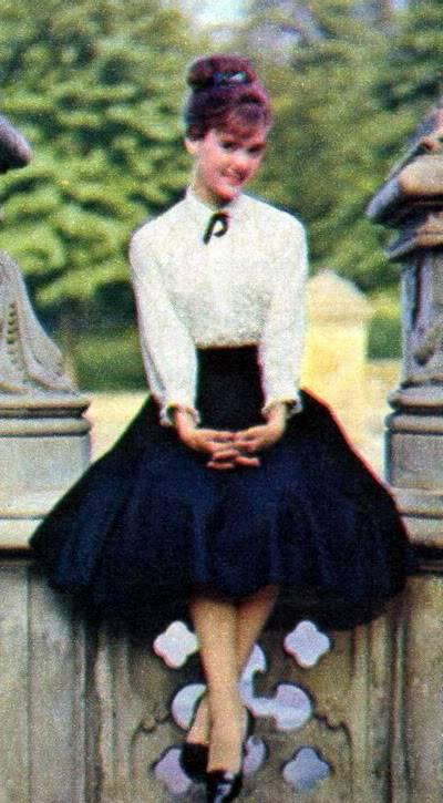 New Albums in Bonnie's Sixties Models & Ads: 2 Karens KarenWeiler_1961_17_Full