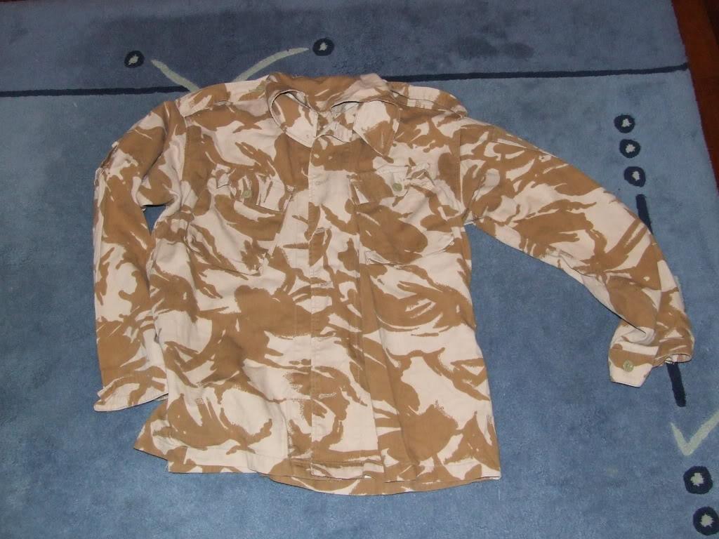 Vendo Material desert DPM Brit: Colete, camelbak Camisa e luvas DSCF5225