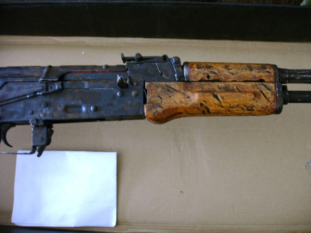 AKS- 74 bem usada.... IMAG0024-1