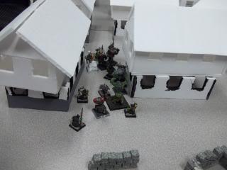 Mordheim Campaign Round 2 Part 2 (Battle Report) 103_0340