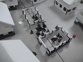 Mordheim Campaign Round 2 Part 2 (Battle Report) 103_0344