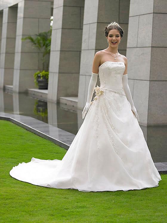 abdb328dfc6fa فساتين زفاف راقية