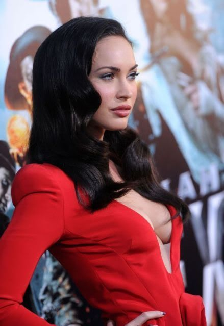 Z01xEp. 01 - The Attack Megan-fox-in-red-dress-3