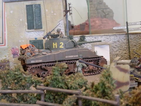 SHERMAN EN NORMANDIE 28