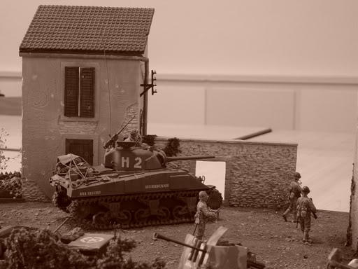 SHERMAN EN NORMANDIE 44