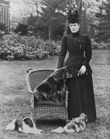 Alejandra y Eduardo VII Alixwithherdogs