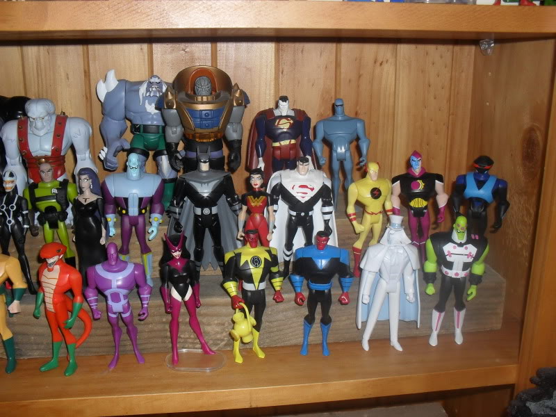 NiteOwl's Collection- updated JLU shelving bottom page 1 SDC11215