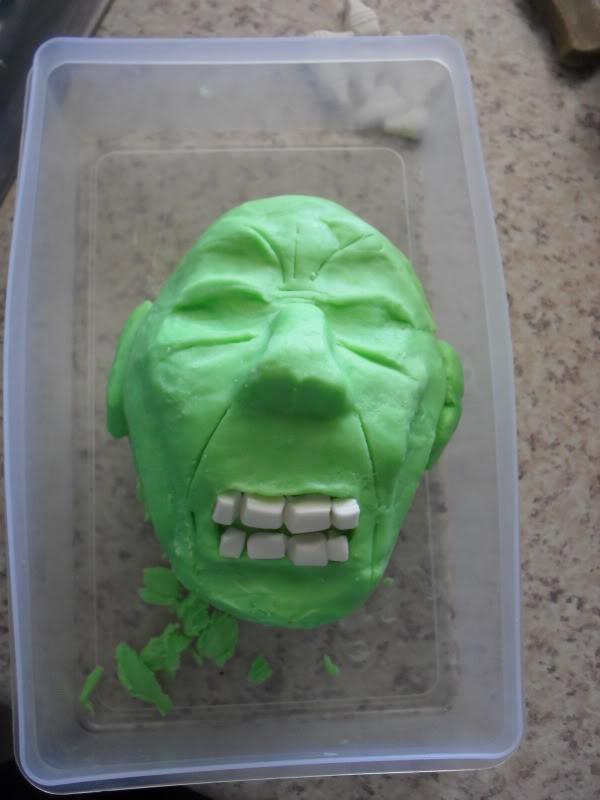 HULK smash puny Cake!!! SDC13048