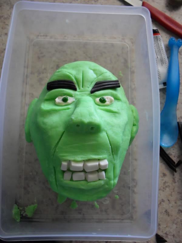 HULK smash puny Cake!!! SDC13049