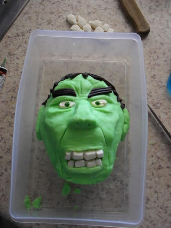 HULK smash puny Cake!!! SDC13050