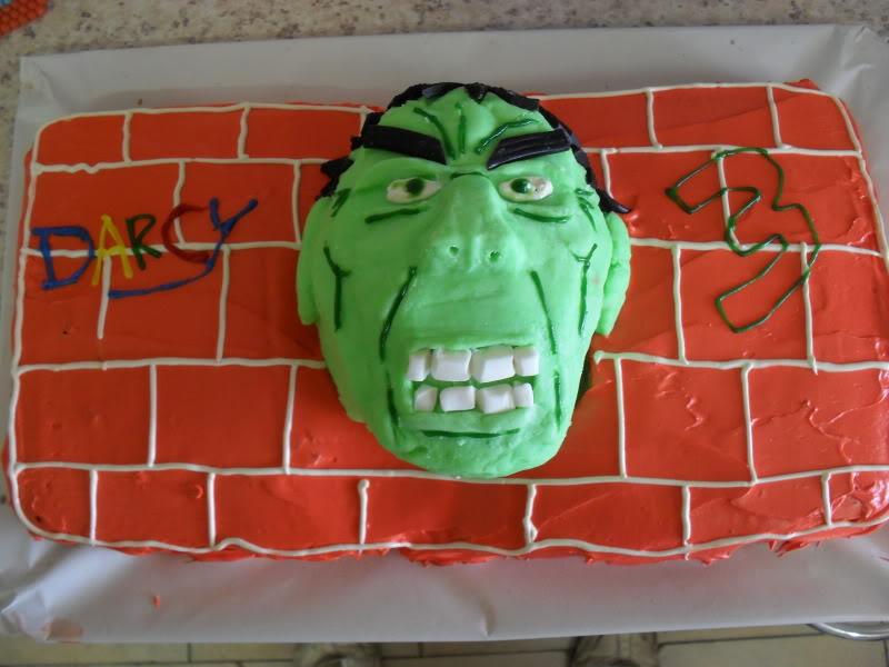 HULK smash puny Cake
