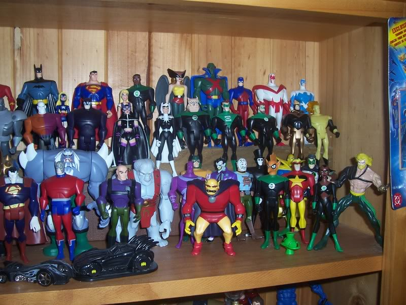 NiteOwl's Collection- updated JLU shelving bottom page 1 Ja043