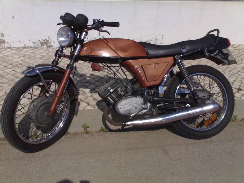 Máquinas de 2 rodas 29092011091