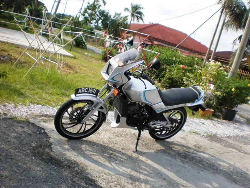 Yamaha RD125 LC from Teluk Ensen P5103063