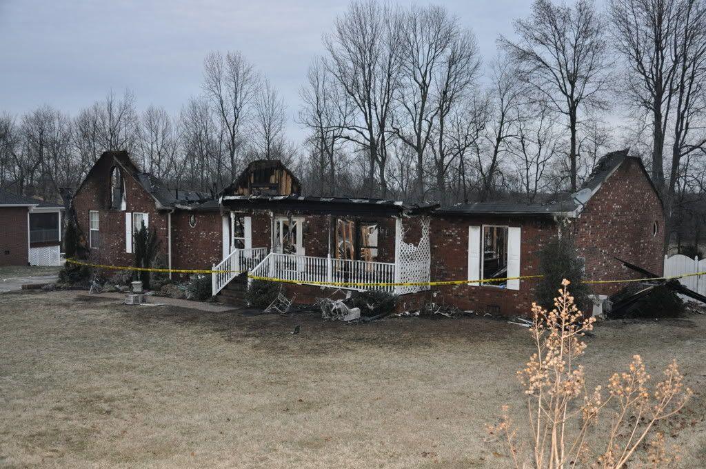 Neighbors House beside me that caught on fire. DSC_0008
