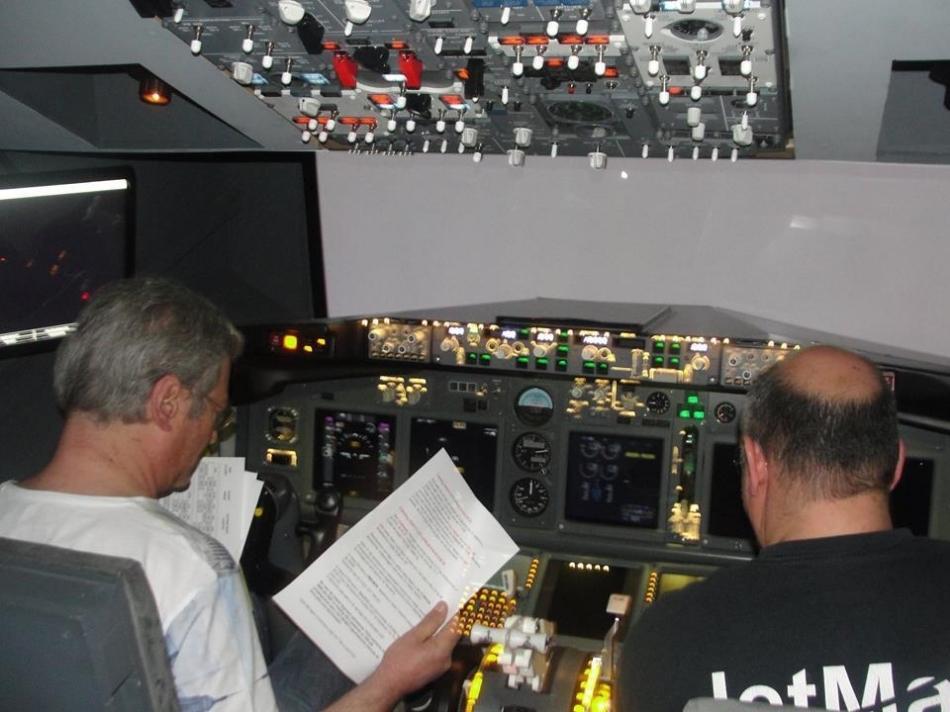 Simulador 737-800NG Fb7e7c88-02f1-4fb4-8684-9e2a0f2a5778