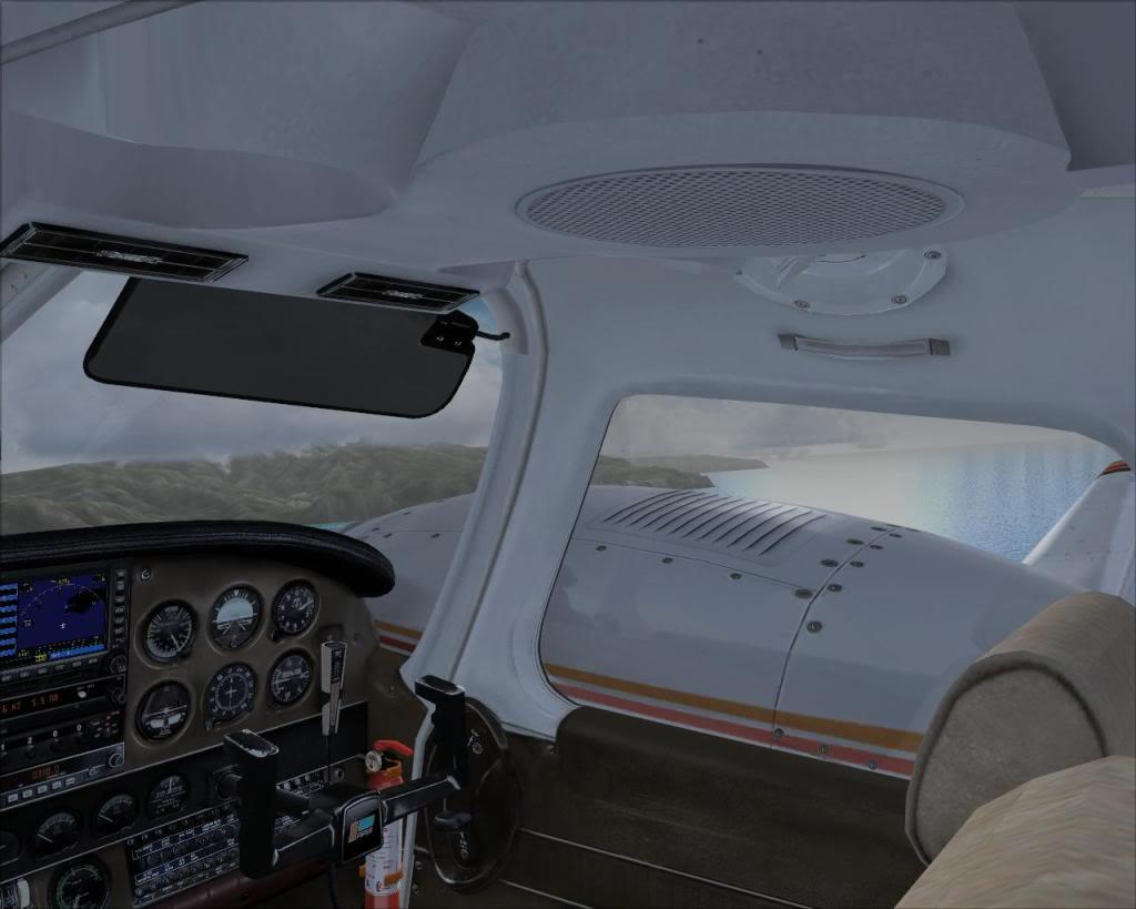 (FS9) PA34 Seneca aterra na Madeira Fs92011-04-2621-16-13-15