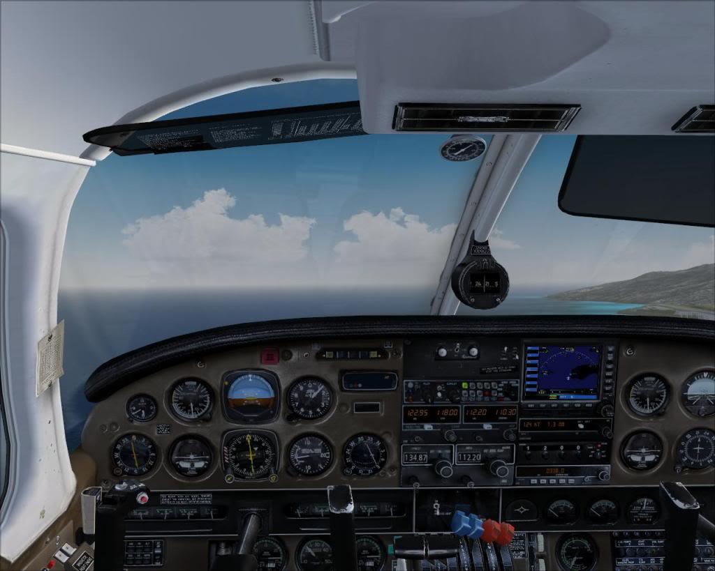 (FS9) PA34 Seneca aterra na Madeira Fs92011-04-2621-19-24-00