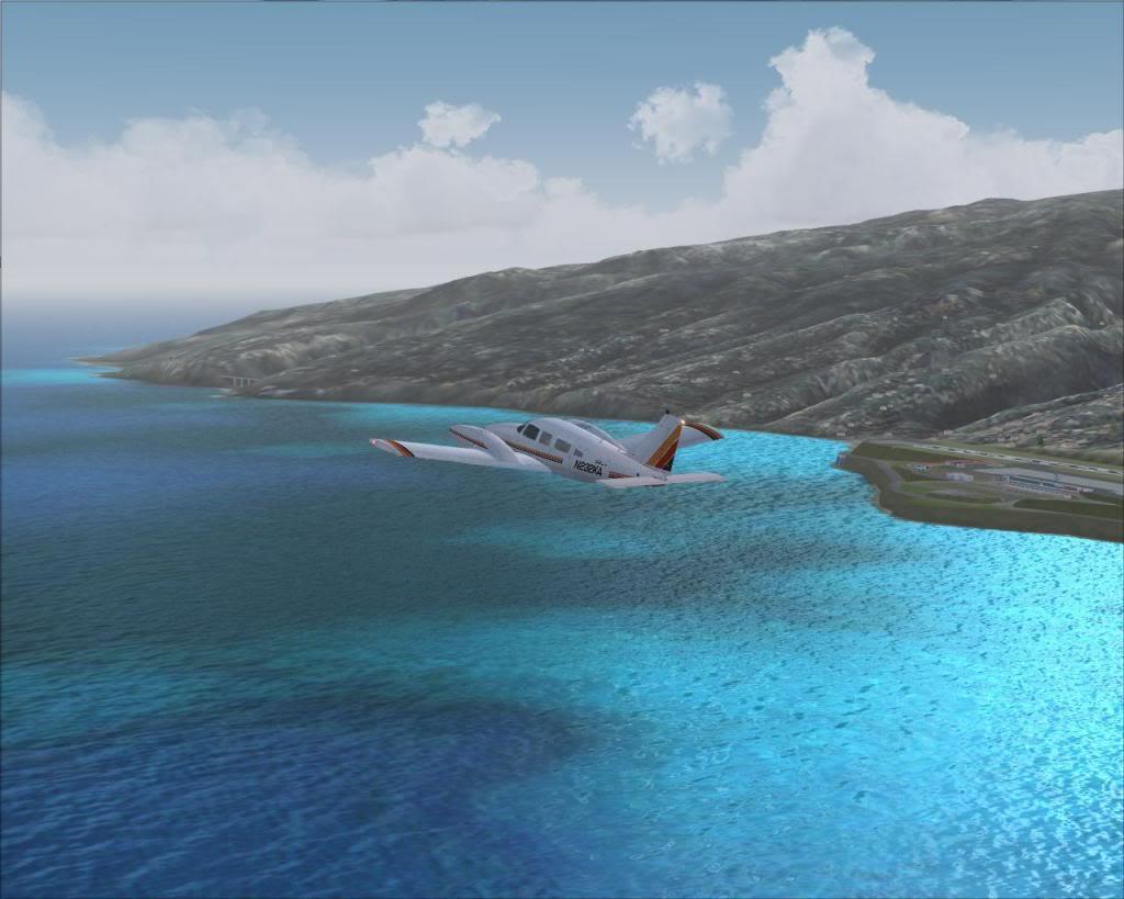 (FS9) PA34 Seneca aterra na Madeira Fs92011-04-2621-20-31-39