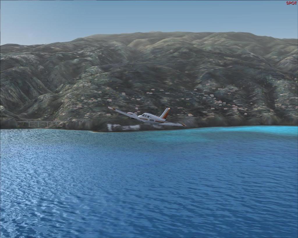 (FS9) PA34 Seneca aterra na Madeira Fs92011-04-2621-22-38-01
