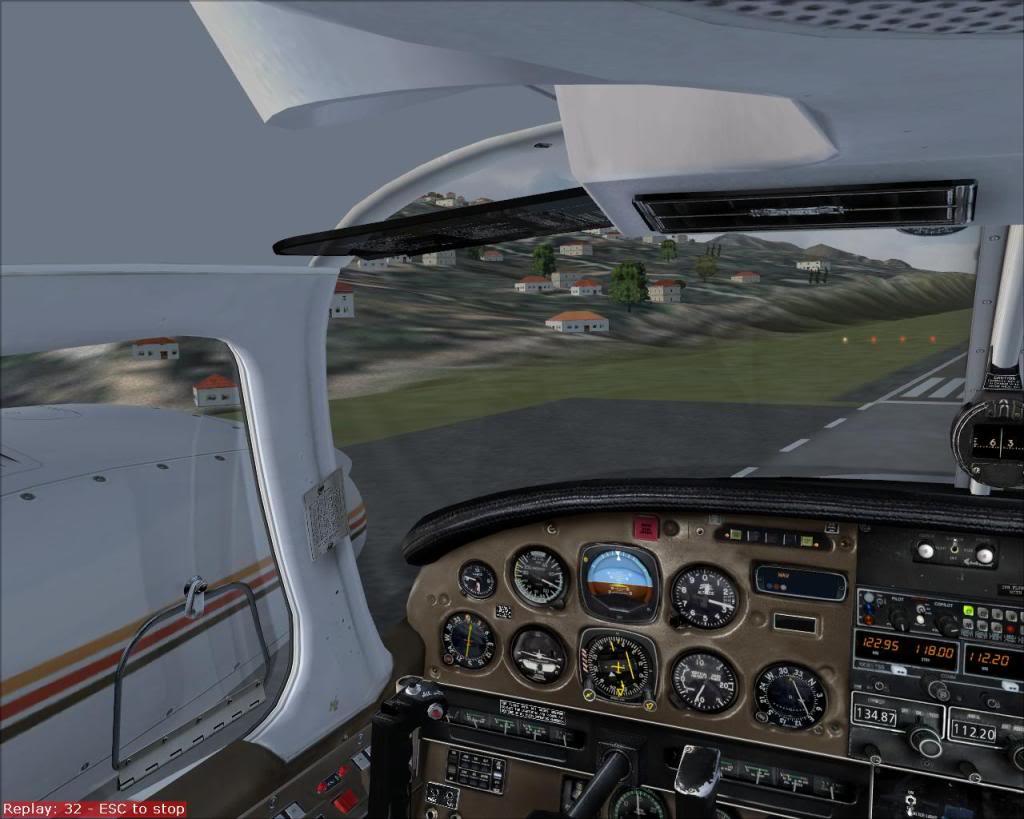 (FS9) PA34 Seneca aterra na Madeira Fs92011-04-2621-39-46-71
