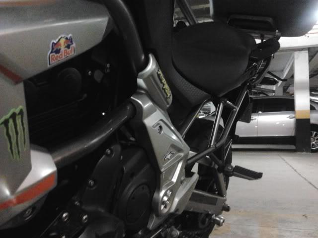 É a minha Kawasaki Versys - Monster na Área!!! 2011-09-21204806