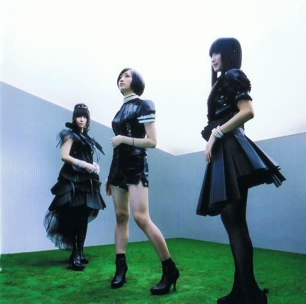 More*imagenes!!! Perfume28