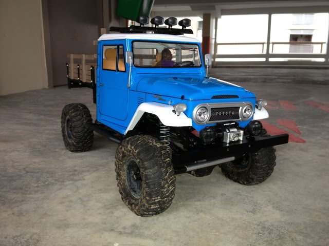 toyota - TOYOTA Land Cruiser FJ40 on AXIAL SCX 10 Chassis  Null_zps86f1ad92