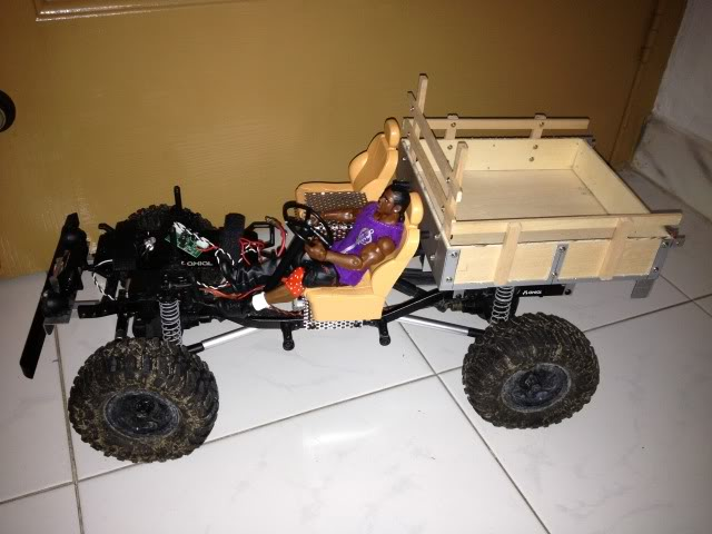 toyota - TOYOTA Land Cruiser FJ40 on AXIAL SCX 10 Chassis  Null_zpsb737199f
