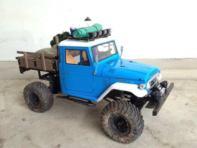 toyota - TOYOTA Land Cruiser FJ40 on AXIAL SCX 10 Chassis  Null_zpse122a020