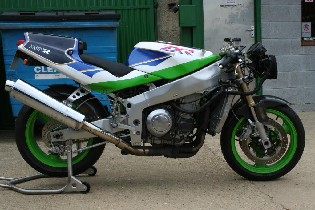 Kawasaki ZXR 750 - Page 3 IMG_5028