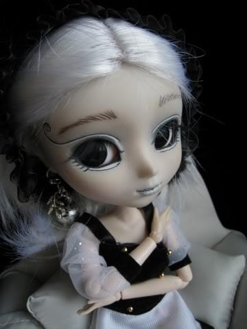 Mes dollz: une nouvelle arrivante [Berry Abricot] IMG_0050640x480