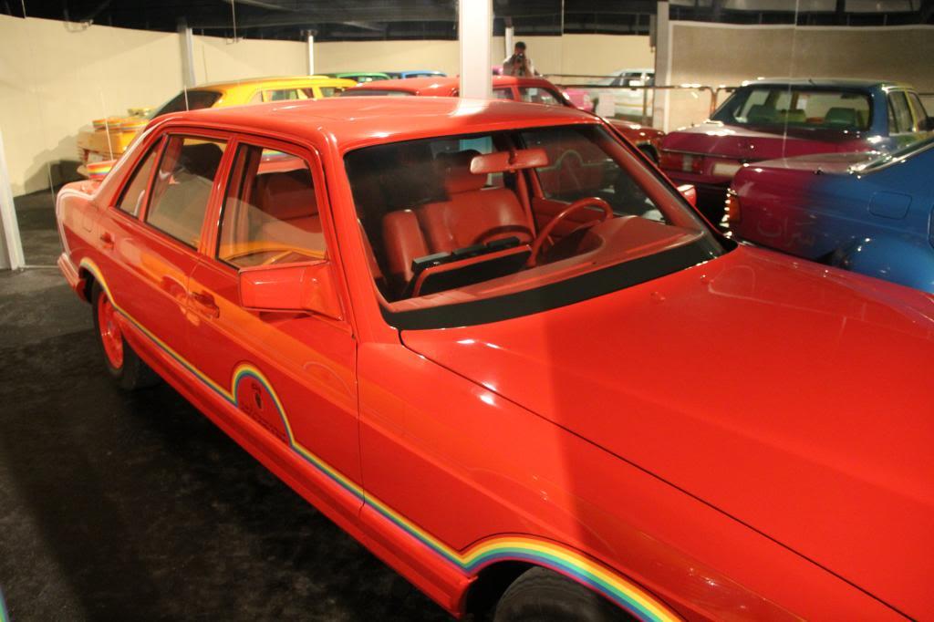"""(HISTÓRIA): Emirates National Auto Museum - Coleção de W126 (500SEL) """"Diferentes"""" IMG_2594_zps4273cd47"""