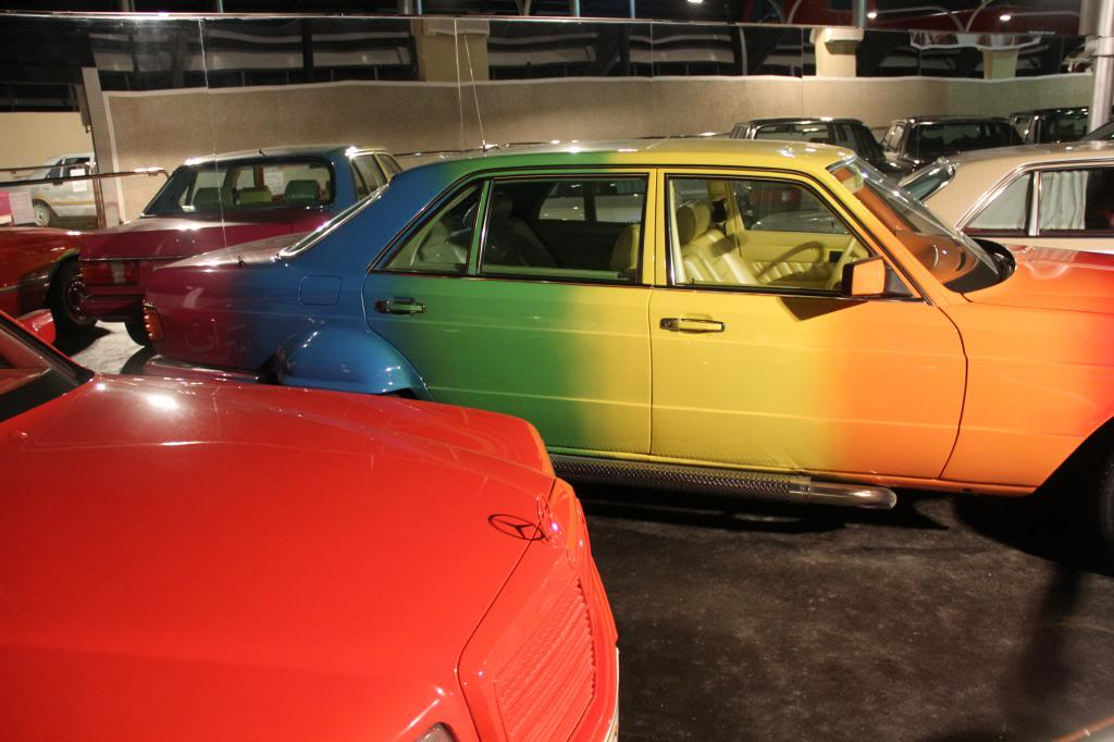 """(HISTÓRIA): Emirates National Auto Museum - Coleção de W126 (500SEL) """"Diferentes"""" IMG_2595_zps46c94eb0"""
